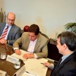 08nov13 - Acordo MP e SEC contra corrupo - assinatura